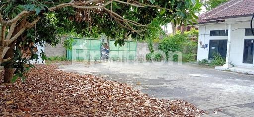 GUDANG BERISI KANTOR DAN MESH UNTUK KARYAWAN, Gatot Subroto, Denpasar