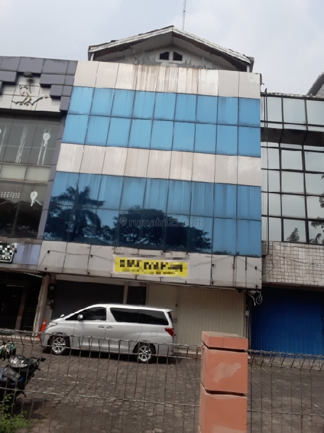 Ruko Strategis Dan Komersil, Kebon Jeruk, Jakarta Barat