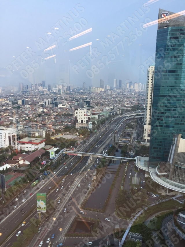 Super Murah! Office SOHO Capital 175sqm View City!, Central Park, Jakarta Barat