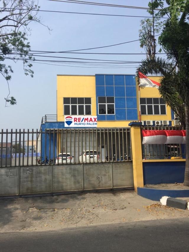 Ruko Hadap Selatan, Harga Masih Nego, Siap Pakai di Kamal Raya, Kapuk Kamal, Jakarta Barat