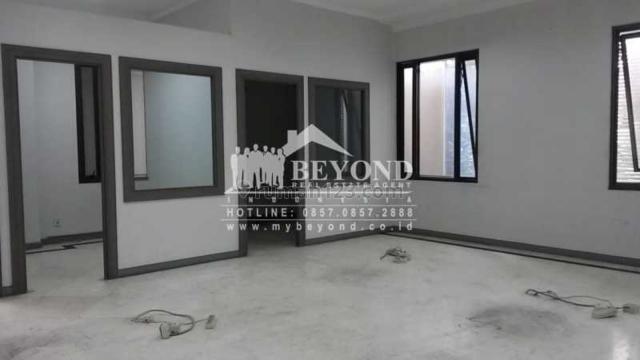 RUKO LUAS KEREN 3 Lantai Siap Pakai Dan Siap Huni di Jalan Moch. Ramdan, Bandung, Regol, Bandung