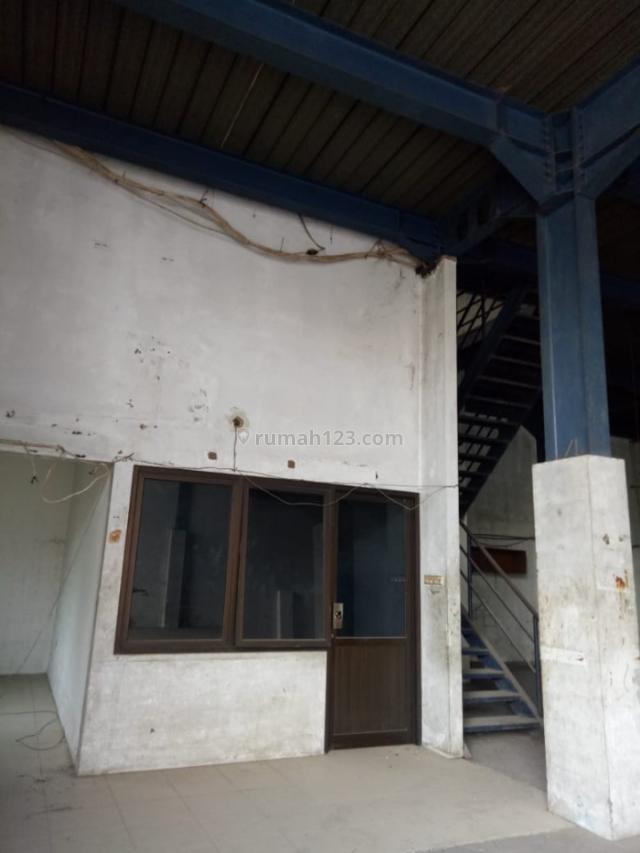 gudang 2 lt, di kapuk jln peternakan, Kapuk Kamal, Jakarta Barat