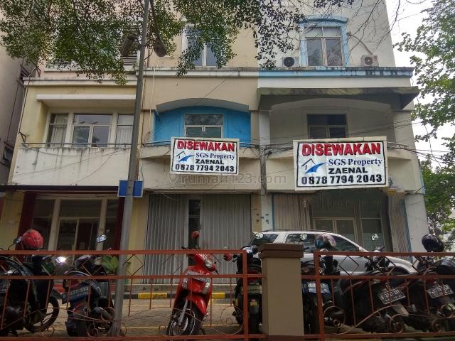 Ruko murah perlt  lok oke, Kebayoran Baru, Jakarta Selatan