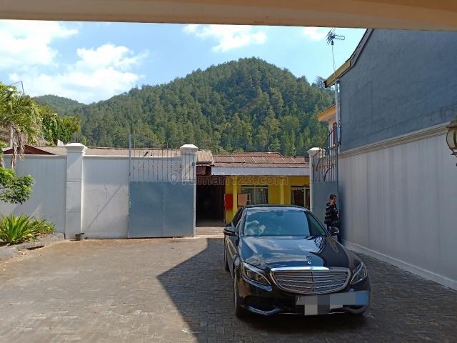 Villa Bagus bersih dekat Balekambang Tawangmangu, Karanganyar, Karanganyar
