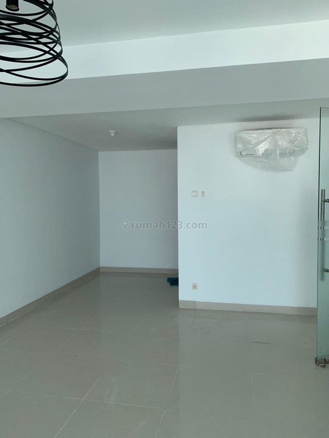 Office Soho Residence Maple Semi Furnish Harga 110jt Nego Jakarta Barat, Central Park, Jakarta Barat