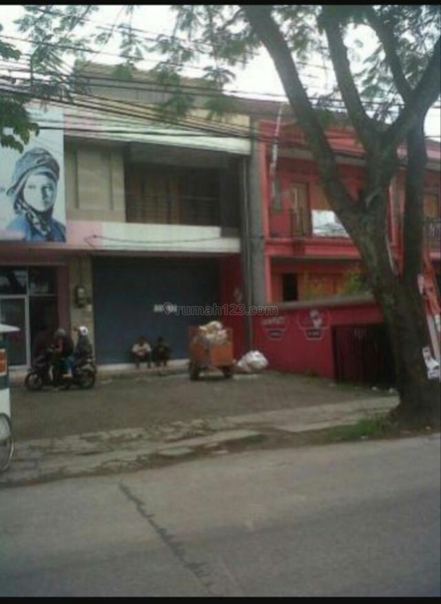 Ruko 2,5lantai mainroad siap pakai cck u/semua jenis usaha,lokasi strategis dekat ke buah batu dan TSM,Turangga,Bandung, Turangga, Bandung