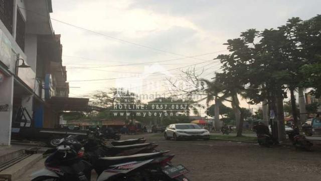 BAGUSS SEKALI! Ruko 2 Lantai di Kawasan yang Sangat Ramai Cocok untuk Usaha, Taman Kopo Indah, Bandung