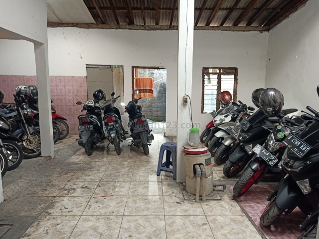 Tanah dan bangunan usaha Parkir motor dekat stasiun Bekasi, Bekasi Utara, Bekasi