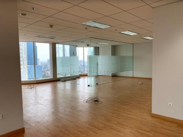 Office space di Wisma AKR, Kebon Jeruk, Jakarta Barat