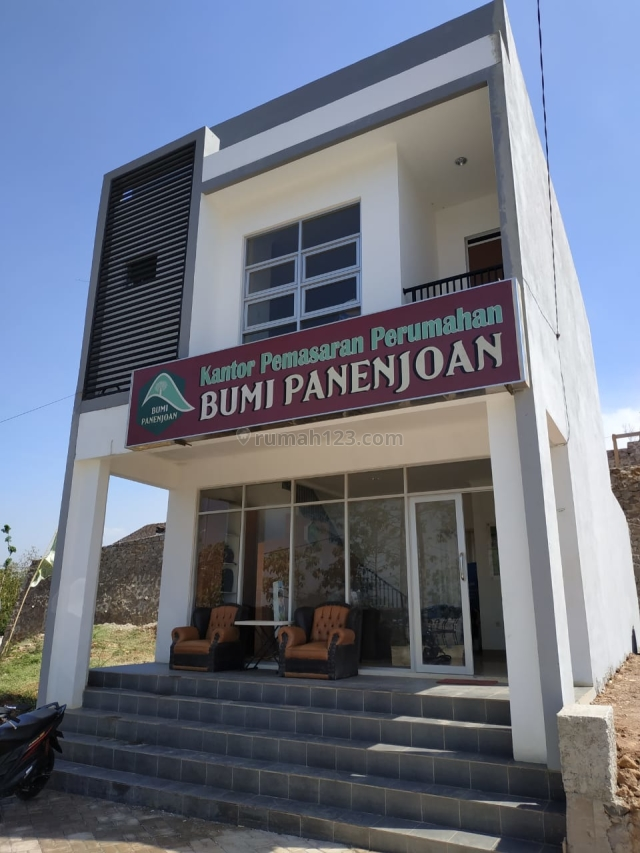 Ruko Lux Bumi Panenjoan Cicalengka cocok untuk usaha 5 mnt ke Alun2 Cicalengka, Cicalengka, Bandung