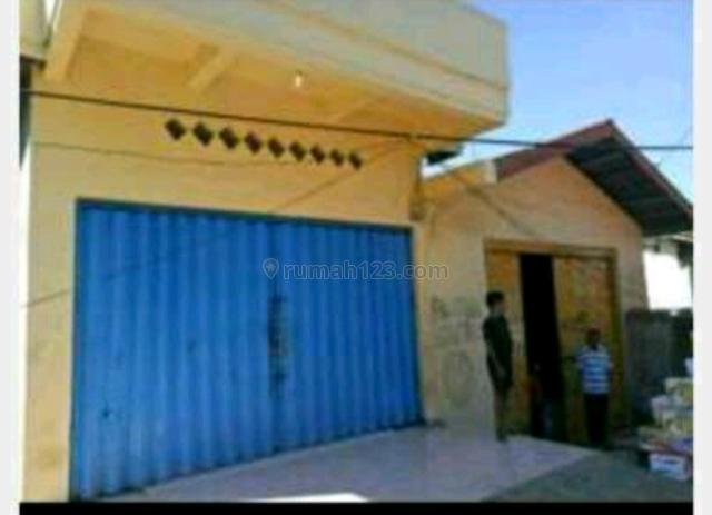 Toko & gudang di daerah komersil, Larantuka, Flores Timur