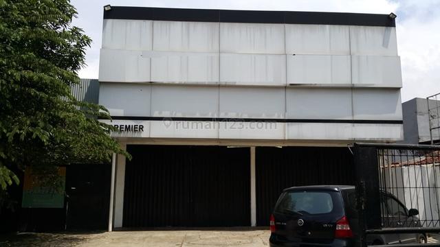 Gedung ex showroom DISEWAKAN dilokasi strategis Jl. Daan Mogot Raya - 0022-LILCG6, Kalideres, Jakarta Barat