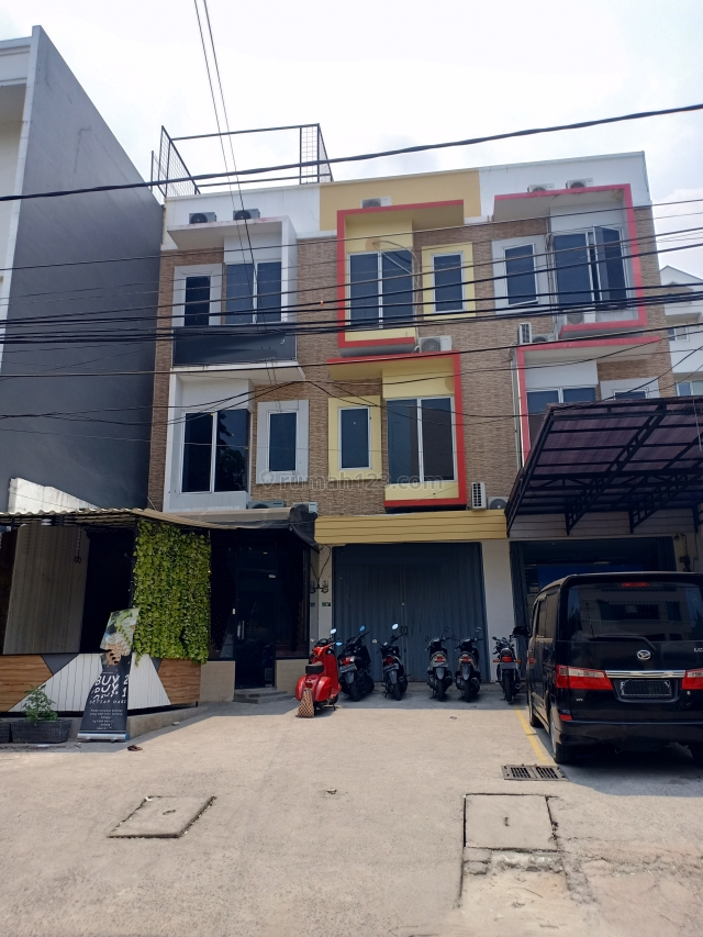 RUKO 3.5 Lt (Lokasi Strategis & Peruntukan Bisnis) | NON.369, Taman Ratu, Jakarta Barat