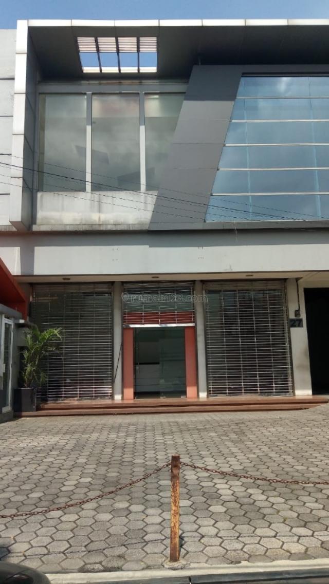 Gedung bagus strategis mainroad di Jl BKR, BKR, Bandung