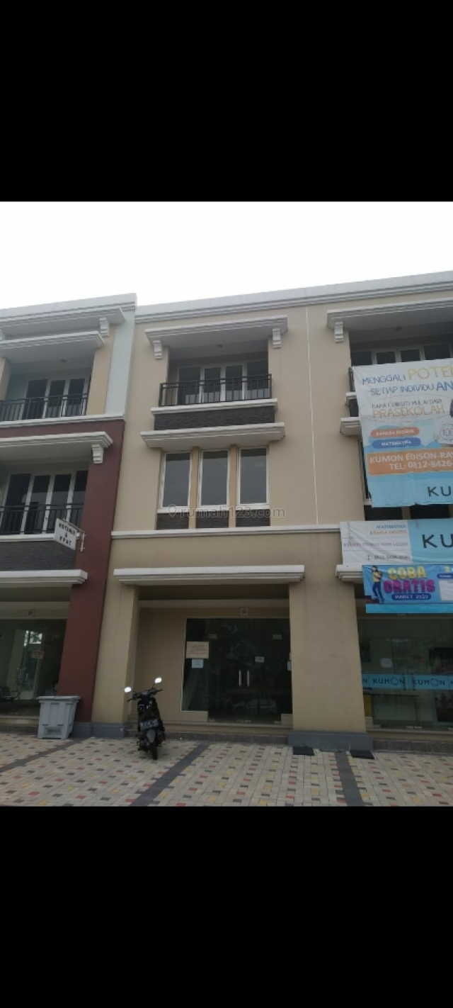 ruko 3 lantai,  strategis cocok untuk usaha atau kantor, Gading Serpong, Tangerang