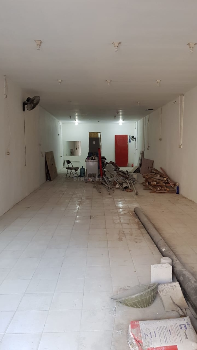 Ruko 1.5 lantai buat usaha di pinggir jl utama raya cengkareng, Cengkareng, Jakarta Barat