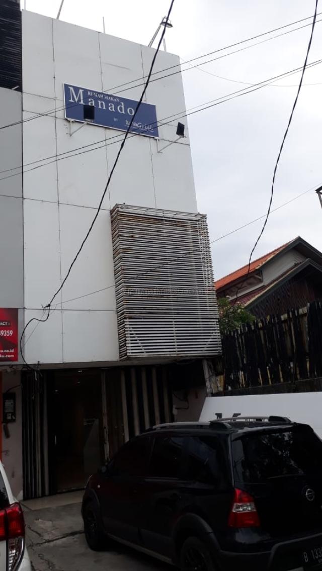 Ruko 3,5 Lantai - Strategis di Jalan Pesanggrahan Raya - Cocok Untuk Restoran / Bank, Puri Indah, Jakarta Barat