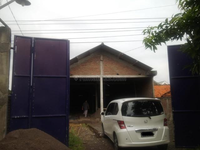 Gudang Raya Laban Wetan, Lakarsantri, Surabaya