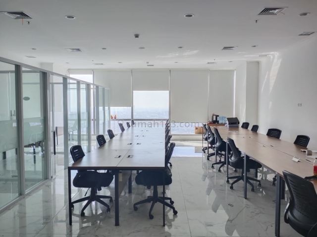 Office Soho Capital Semi Furnish Luas 136sqm Harga Nego, Jakarta Barat, Tanjung Duren, Central Park, Jakarta Barat