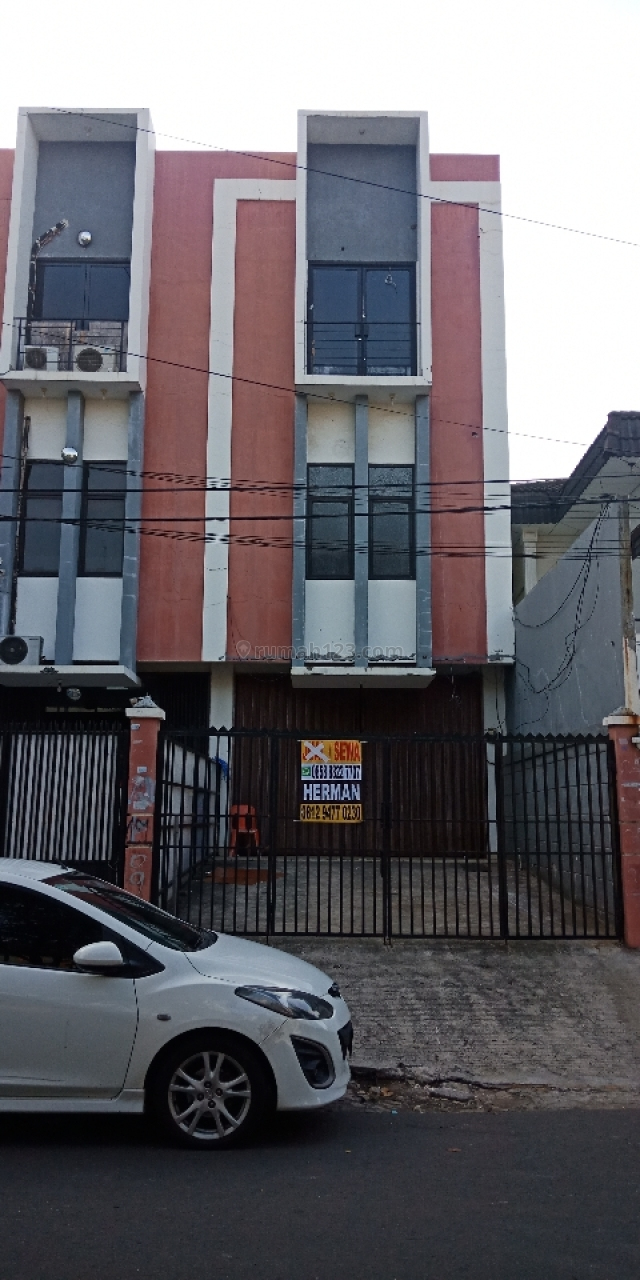 RUKO HADAP JALAN RAYA...SIAP PAKAI, Tomang, Jakarta Barat