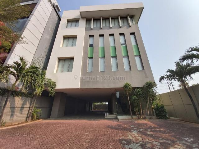 Gedung di daan mogot, jakarta barat..butuh space parkir luas?, Daan Mogot, Jakarta Barat