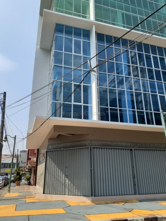 KOMPLEK GEDUNG PERKANTORAN AREA KOMERSIAL, Blok M, Jakarta Selatan