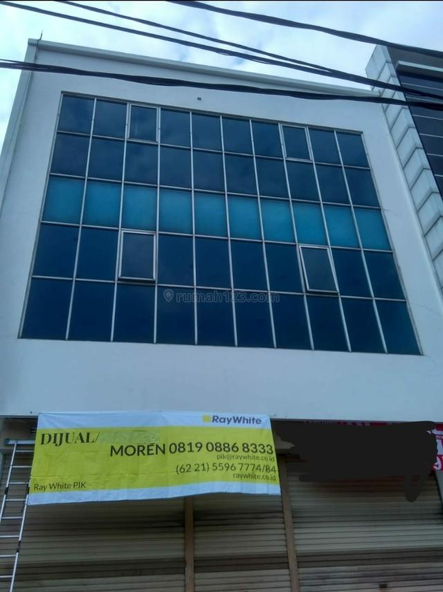 dijual 2 ruko gandeng murah jalan utama di pluit. Jakart utara, Pantai Indah Kapuk, Jakarta Utara