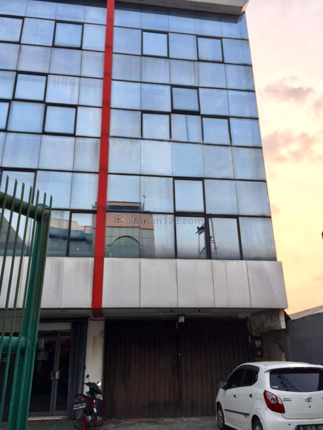 Ruko @jalan raya, Roxy, Jakarta Pusat