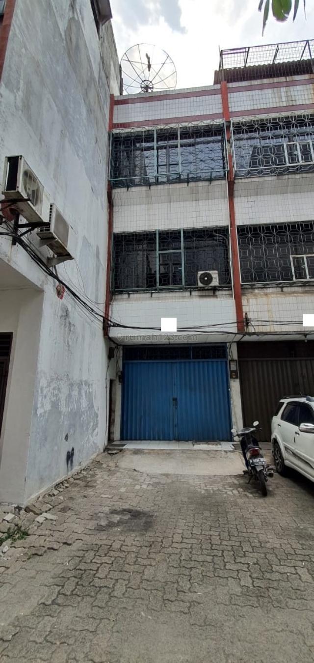 Ruko Hadap Timur, Bangunan Bagus, Terawat di Pluit Raya, Pluit, Jakarta Utara