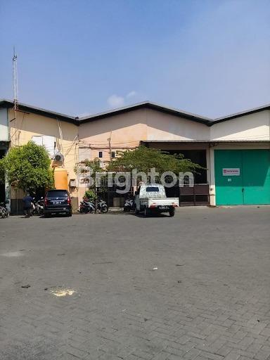 Gudang perbatasan Surabaya dan Sidoarjo yang siap untuk dipakai.pusat pergudangn,lokasi bersih,strategis dan bisa dilewati kontainer 4 feed dan cocok untuk tempat stok dan industri non limbah. ada kantor 1 (3×4), Gedangan, Sidoarjo