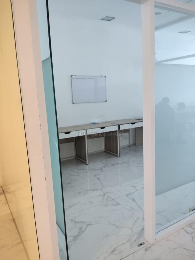 Office di Soho Capital dekat banget dengan cp lokasi strategis, Tanjung Duren, Jakarta Barat