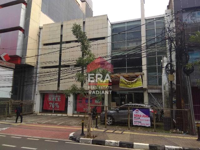 Ruko murah siap pakai 3 lantai di Keb. Baru, Kebayoran Baru, Jakarta Selatan