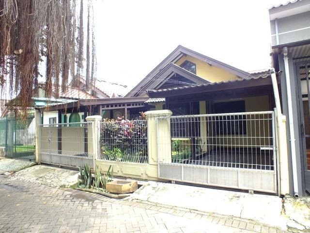 Rumah siap huni,nyaman,aman,good price sektor 5 Bintaro Jaya.., Bintaro, Jakarta Selatan
