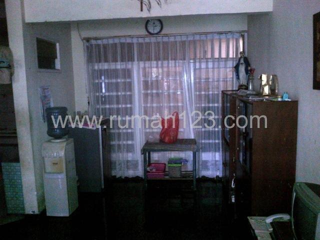 Rumah Daerah Di Perum Griya Kebraon 1.5 Lt Harga Nego, Karangpilang, Surabaya
