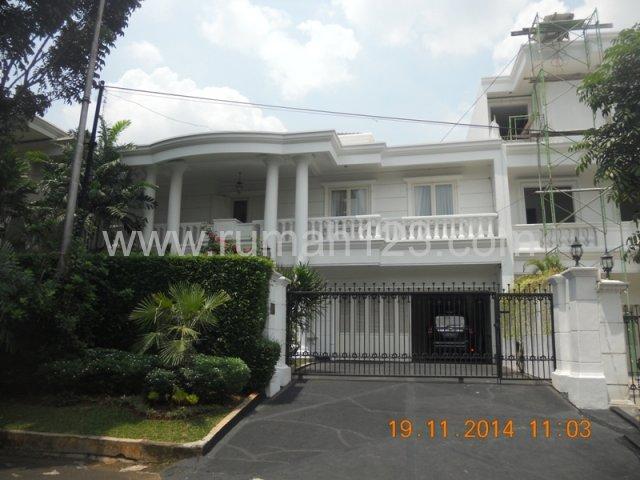 Rumah Di Pondok Indah Daerah Sekolah Kencana, Pondok Indah, Jakarta Selatan