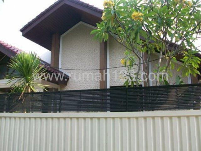 Rumah Siap Huni , Lokasi Tenang, Kebayoran Baru, Jakarta Selatan