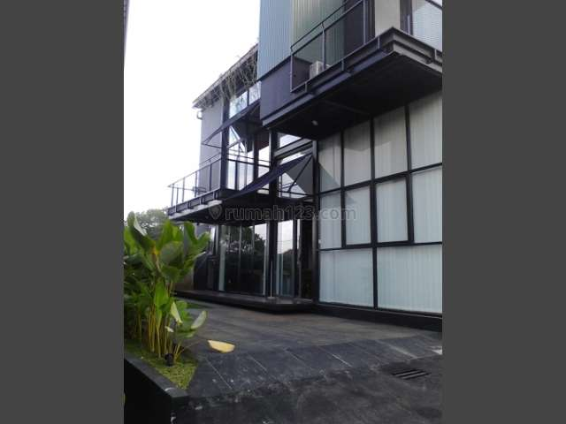 RUMAH Murah di BANDUNG DESAIN ARTISTIK FULLY FURNISH, Dago, Bandung