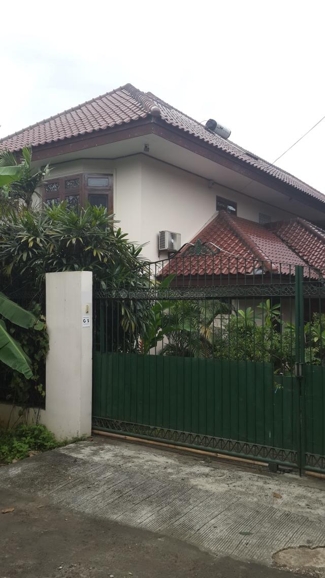 Bangunan 2 Lantai Dilengkapi Dengan Kolam Renang, Joglo, Hal, Bintaro, Jakarta Selatan