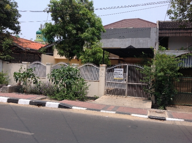Rumah buat kantor,klinik, praktek dokter ataupun gudang strategis nyaman aman, Rawamangun, Jakarta Timur