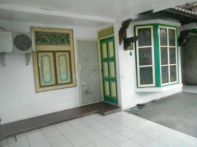Rumah Lama dekat keramaian Bintaro Sektor 3, Bintaro, Tangerang Selatan