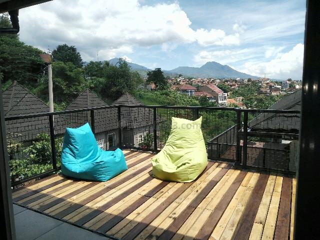 Rumah Cantik Desain Unik Full Furnish Cikutra, Dago, Bandung