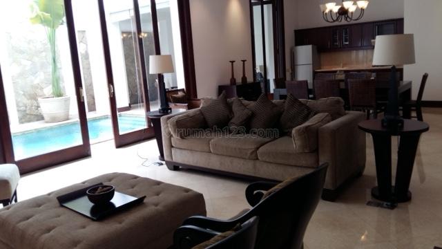 Fully Furnished Comfortable House at Kebayoran Baru, Kebayoran Baru, Jakarta Selatan
