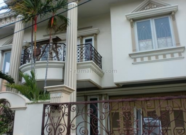 Rumah Hoek Mewah Model Classic Murah Kelapa Gading, Kelapa Gading, Jakarta Utara