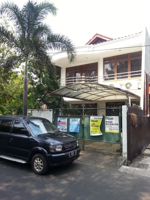 Rumah Rapi 2 Lantai Siap Huni di Kelapa Gading, Kelapa Gading, Jakarta Utara