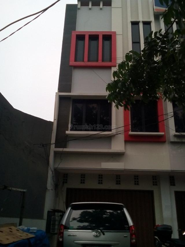 Kramat Rumah Siap Huni 3,5 Lantai, Kramat, Jakarta Pusat