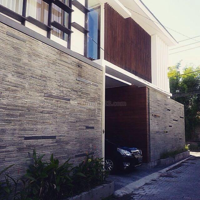 Villa bagus dengan konsep architecture dan design yang ok, Umalas, Badung