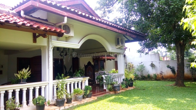 "Comfortable house in area Cilandak for expatriat and others "" The price can be negotiable "", Cilandak, Jakarta Selatan"