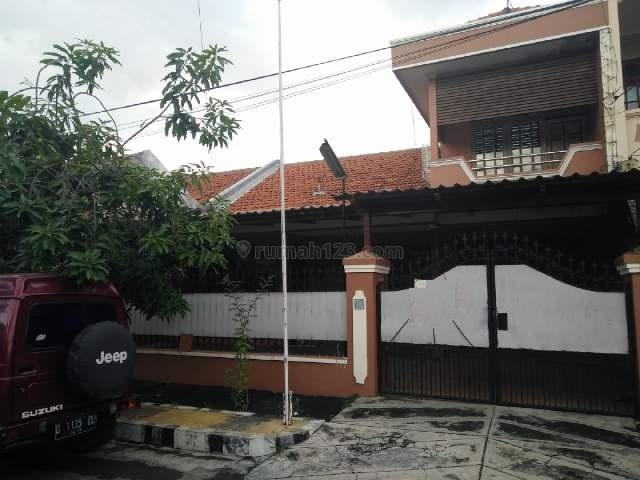 Rumah di rungkut asri utara cocok buat perkantoran lt 10x20lb 250 5kt+1,3km+1 hadap selatan hrg 45jt/th nego shm, Rungkut, Surabaya