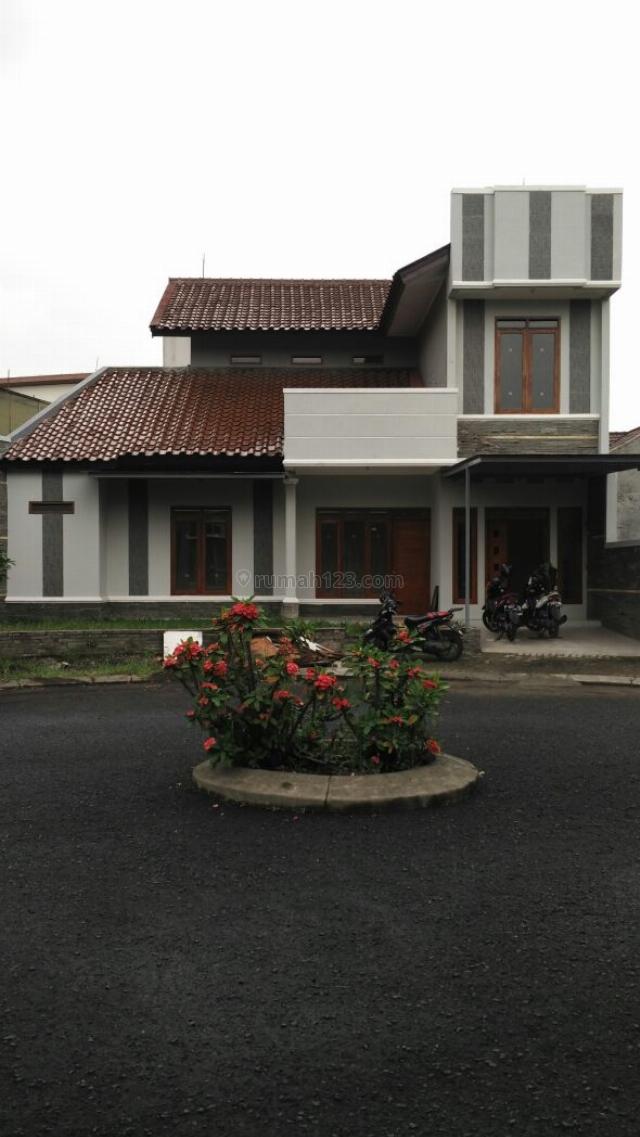 Rumah Lux Singgasana, Mekar Wangi, Bandung