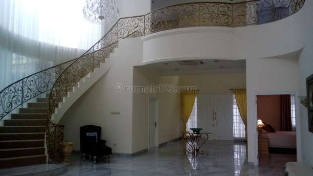 Fabulous atmosphere house with comfort neighborhood, Prapanca, Jakarta Selatan